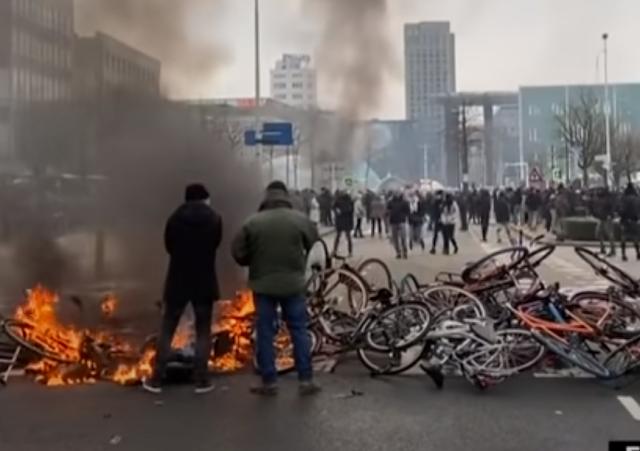 «Εμφύλιος πόλεμος», λέει Ολλανδός δήμαρχος! Η Ευρώπη χάνει τον έλεγχο, vid