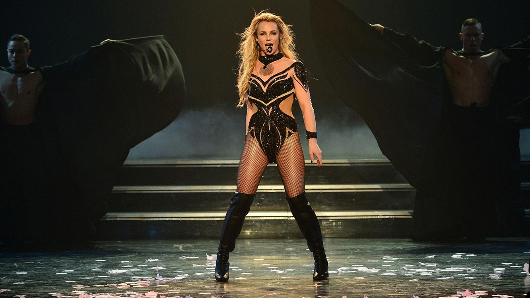 Britney Spears disfruta actualmente de unas vacaciones en Hawai con su novio Sam Asghari después de días de revelaciones explosivas de su reciente audiencia de tutela.