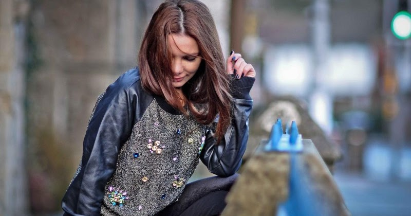 Simona Mar Sporty Chic Mixing Textures Velvet Amp Leather