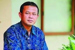 MENGILMIAHKAN KRITIK: KENAPA TIDAK? Catatan Prof Dr Suminto AS