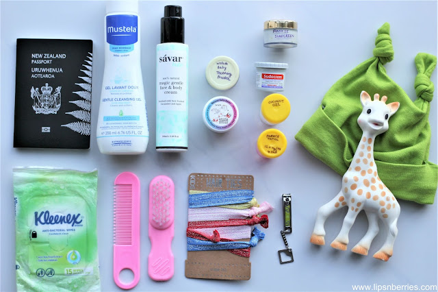 what to pack in baby nappy bag