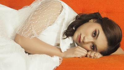 Adiba Cahya Angkat Konsep Minimalis Elegan di Videoklip Lagu 'Kesan di Matamu' Karya Chossypratama