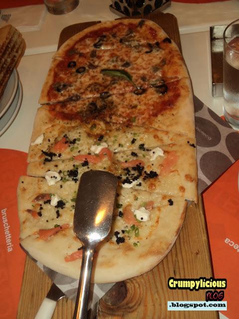 napolitana caviale salmone pizza