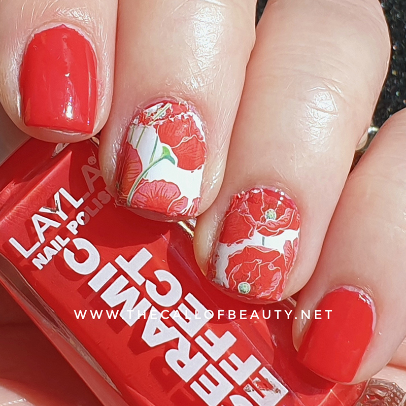 Nail Art of the Day: Red Poppies