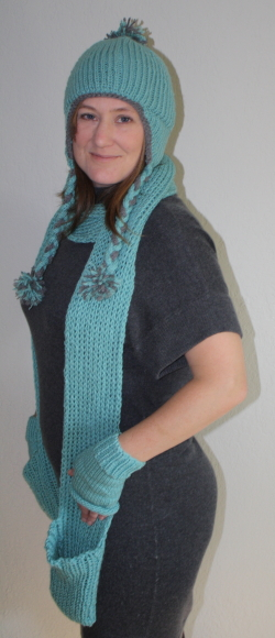Pocket Scarf And Fingerless Gloves Free Knitting Pattern