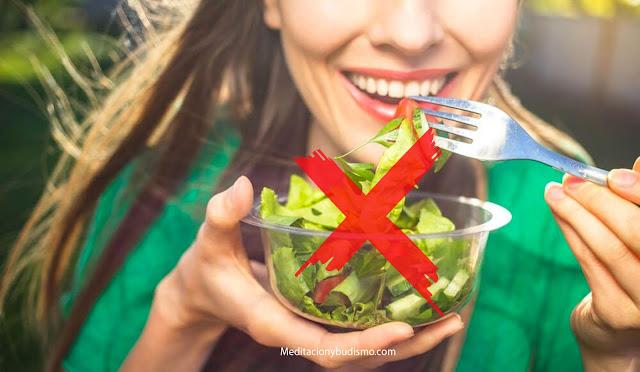 Lo mejor y peor que puedes comer antes de tu cita ideal
