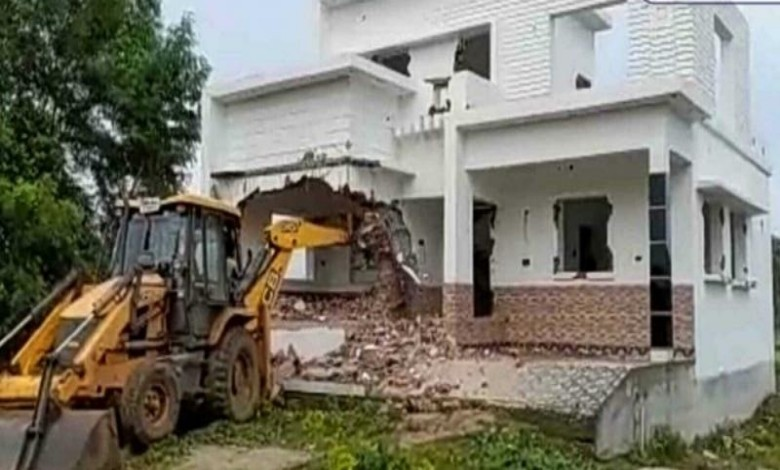 Administration demolished the palace of Trinamool leader with bulldozer
