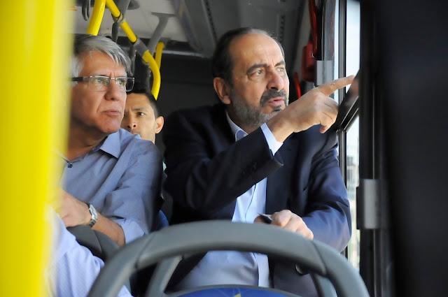 Ônibus de BH com ar condicionado e suspensão a ar começam a circular