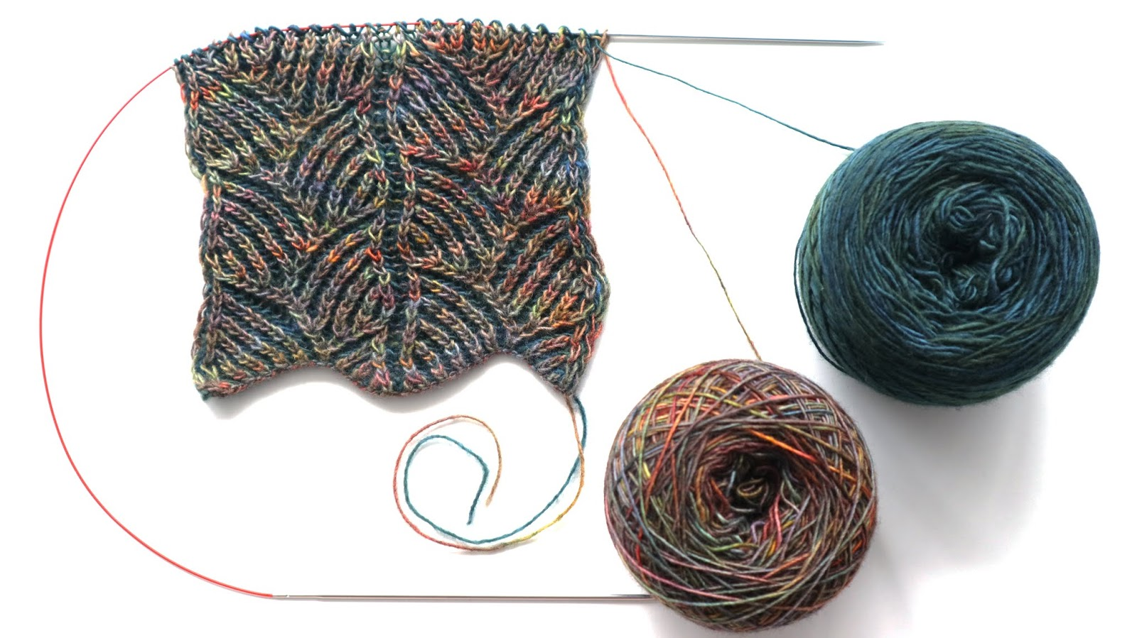 Stripy Leaves Scarf - Brioche Knitting