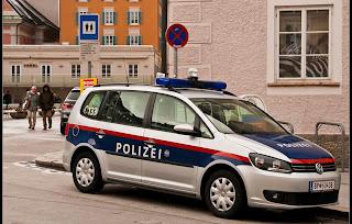 النمسا,غرامة,في,حق,شخص,ضرط,على,الشرطة