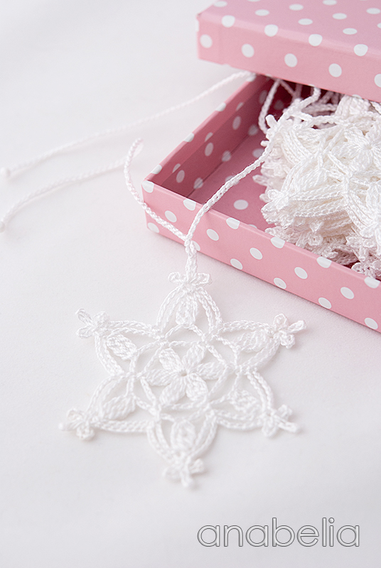 Crochet snowflakes Christmas garland pattern by Anabelia