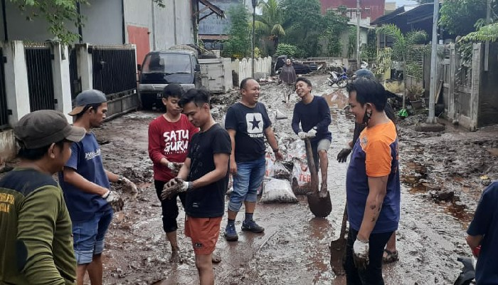 Relawan Pemuda: Jangan Biarkan Bupati Bantaeng Atasi Banjir Sendirian