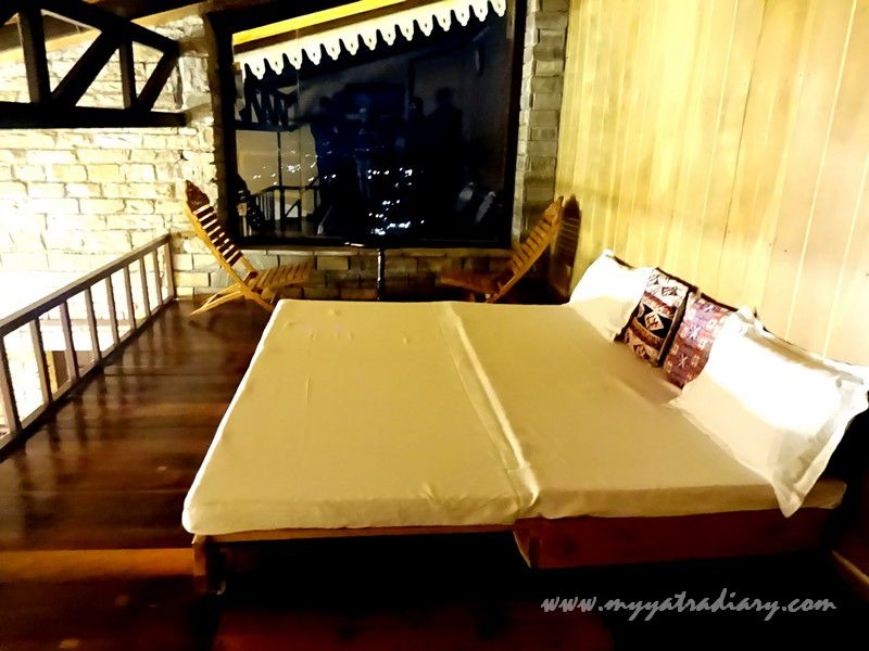 Attic room of the The Himalayan Bungalow Almora by Blusalz