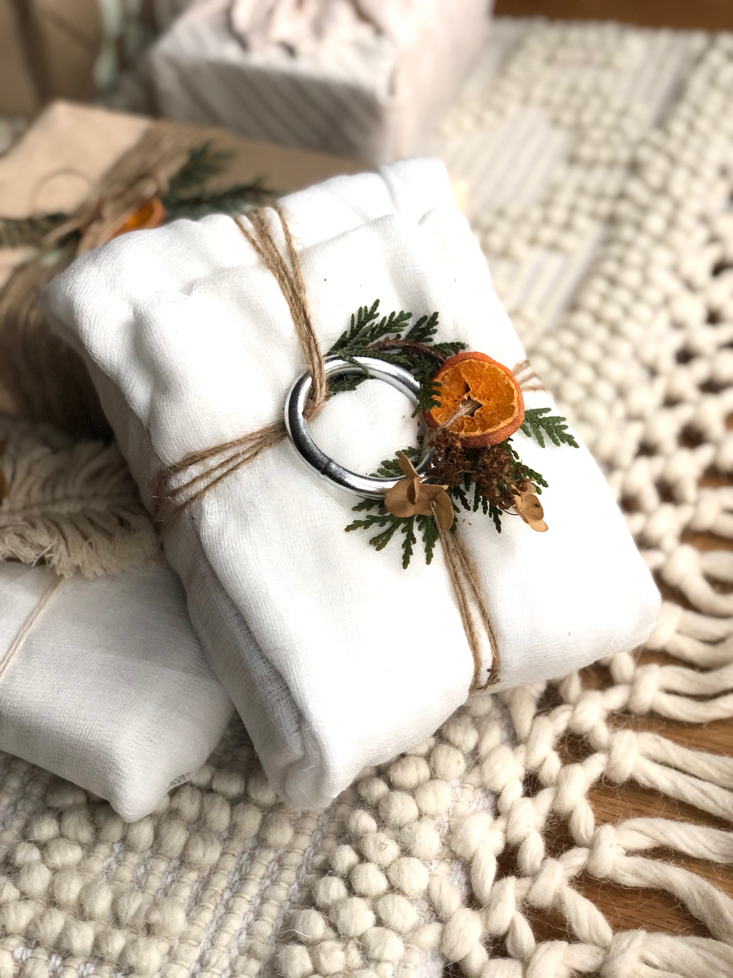 Sustainable-gift-wraping-ideas-10