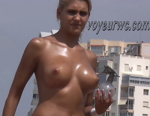 Peeping at the naked girls on the beaches (Beach Jerk 139-145)