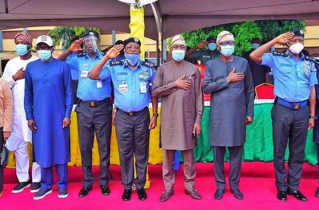 SANWO-OLU AWARDS SCHOLARSHIP TO CHILDREN OF POLICEMEN WHO DIED IN LAGOS VIOLENCE