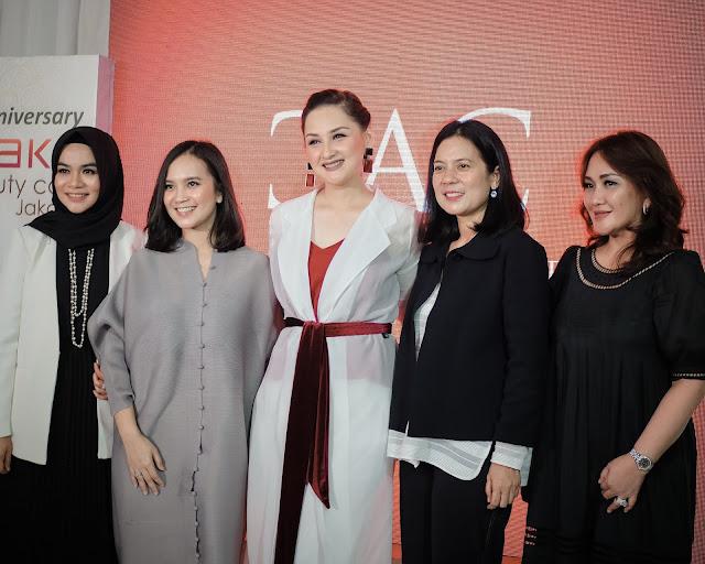Influencer yang udah coba treatment di Enhaka Beauty Care