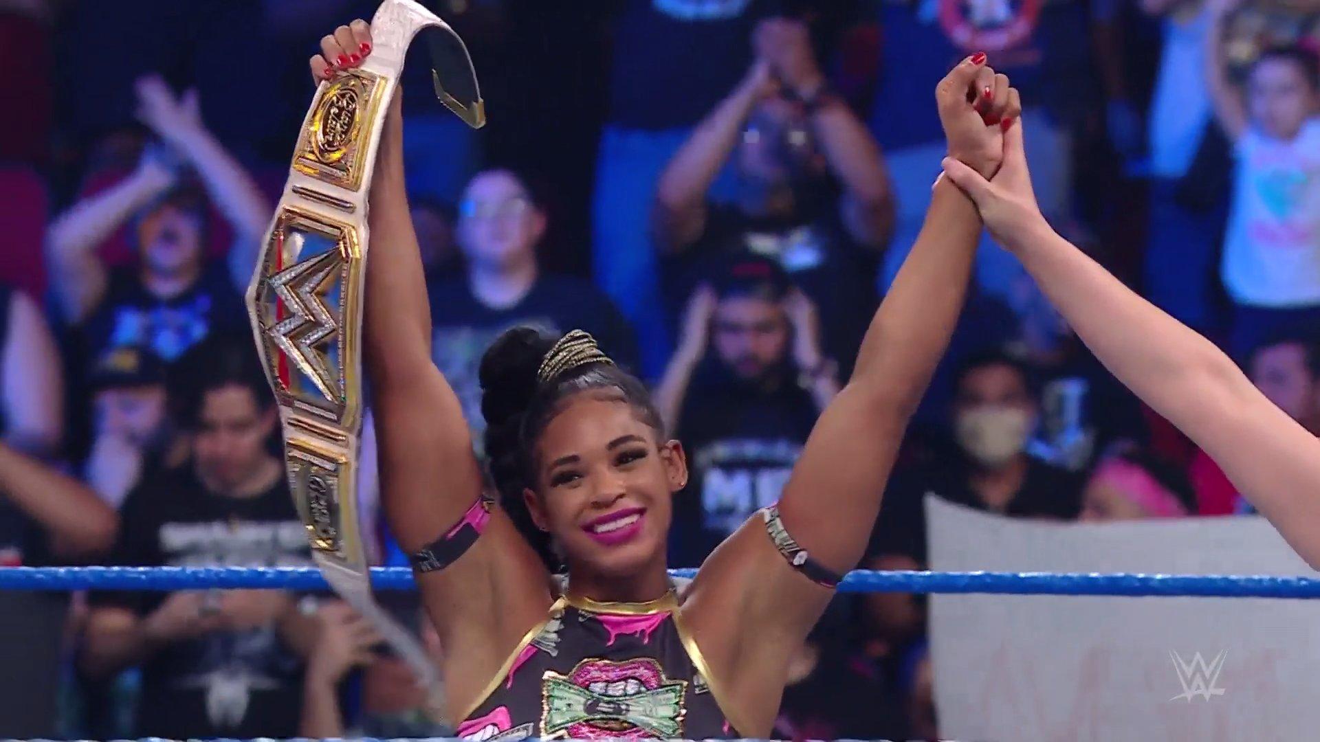 Bianca Belair mantêm a posse do SmackDown Women's Championship