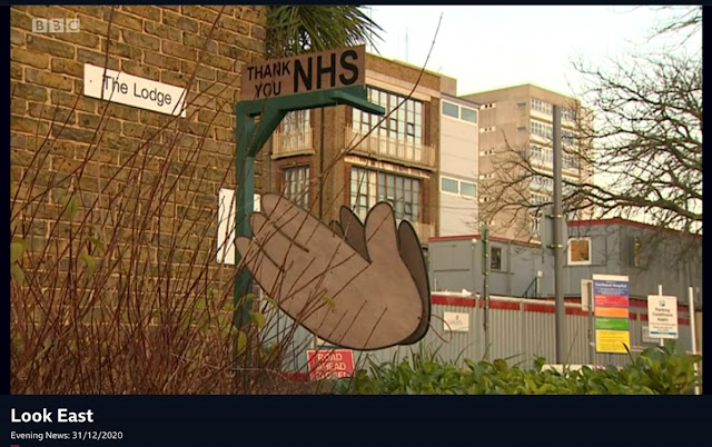 Clapping-Hands-Southend-Hospital-Look-East