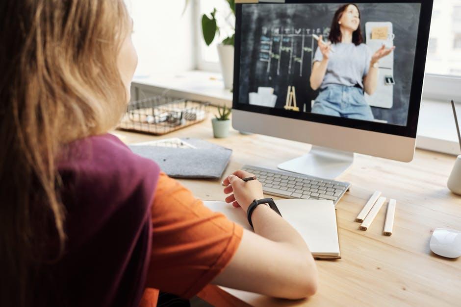 Tips Memilih Kelas Bimbingan Belajar Online Untuk Anak