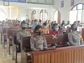 Ibadah Minggu Bermazmur Polres Minahasa Utara di GMIM Baitani Paslaten Kecamatan Kauditan