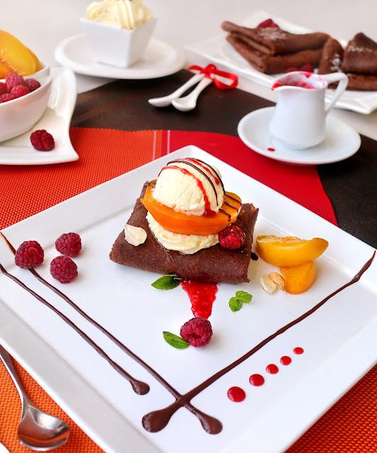 Шоколадови палачинки с прасковена мелба