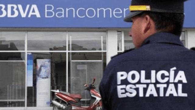 Policías roban mas 11 mil pesos a una pareja en NAUCALPAN y les dan un golpiza en el Ministero Público.