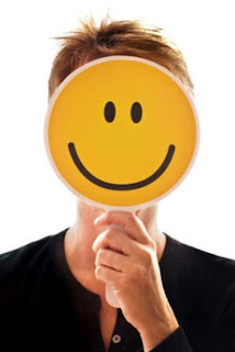 kita semua mungkin pernah mendengar atau memikirkan sesuatu menyerupai ini ketika menghadapi Manfaat Tersenyum Dapat Mengobati Stres