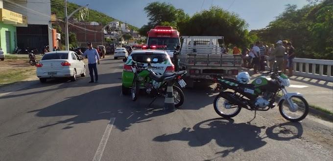 Jacobina: Casal fica ferido em grave acidente com moto na Av. João Fraga Brandão