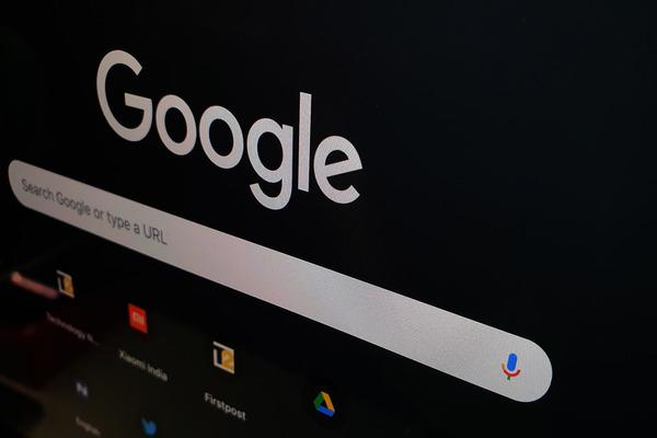 كيف تفعل الوضع المظلم في 14 تطبيقا من جوجل على أندرويد