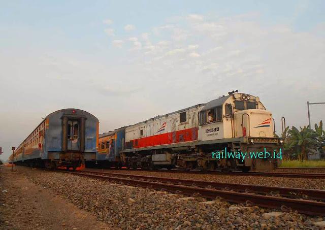 gambar kereta api krd kertosono madiun