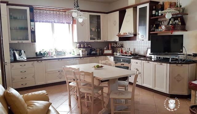 cucina shabby chic, decora facile, chalk paint, prima e dopo