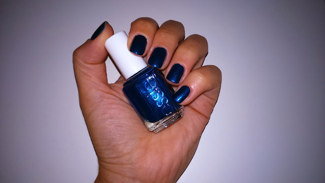 Essie Nail Polish in Bell Bottom Blues