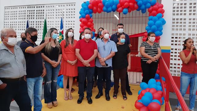 Prefeito Erlanio Xavier inaugurou duas novas escolas e uma praça no município de Igarapé Grande