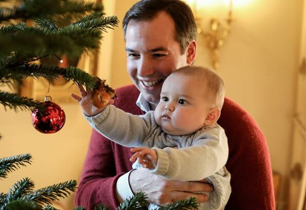 Prince Charles of Luxembourg wore a Toddler boy hat-scarf from Jacadi. Princess Stephanie and Prince Guillaume