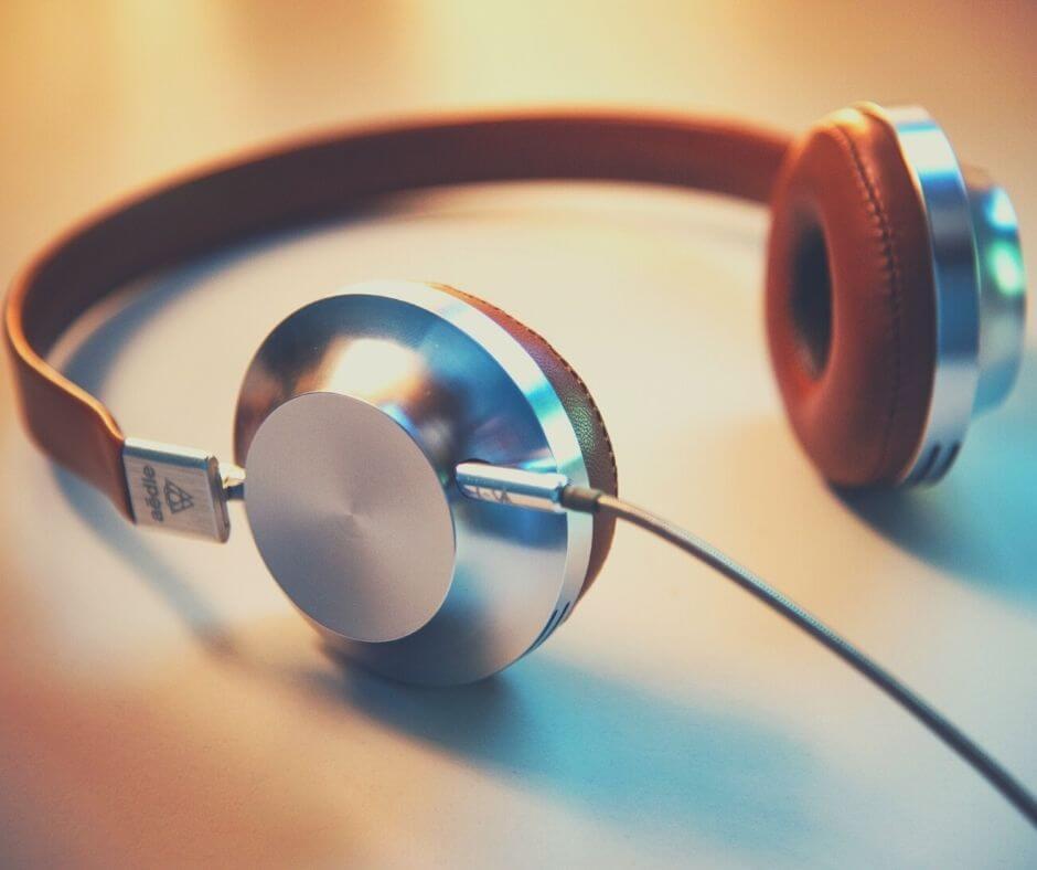 reading-listening-watching-20-headphones