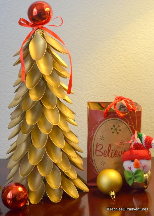 DIY Spoon Christmas Tree