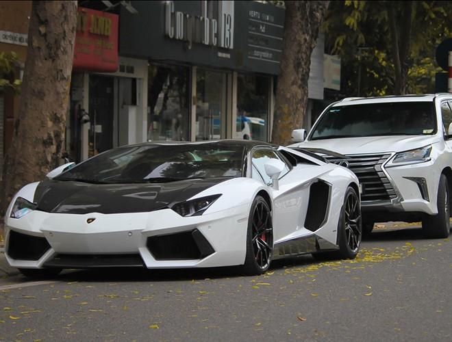 Những mẫu siêu xe ngốn xăng bậc nhất thế giới