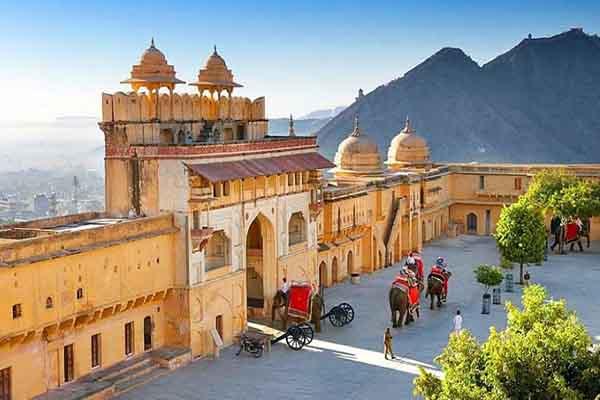 आमेर महल अब पर्यटकों के लिये सुबह 8 बजे से शाम 5 बजे तक खुलेगा...