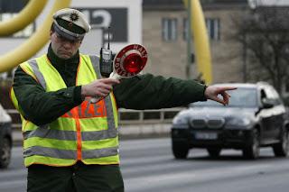 Немецкая полиция задаёт вопросы