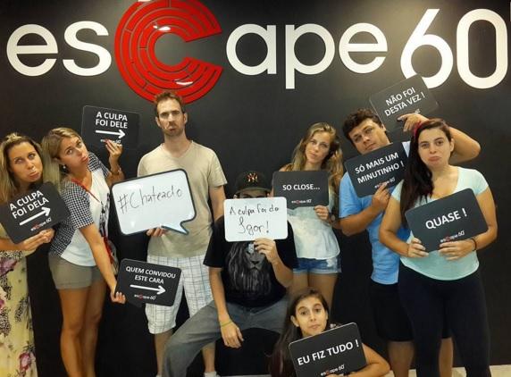 Equipe Cris pelo Mundo desolados por não escaparem da Sala Hotel Plaza - Escape 60