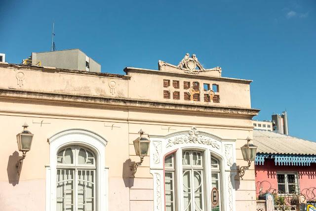 Casa na esquina da Augusto Stellfeld com Ébano Pereira - detalhe