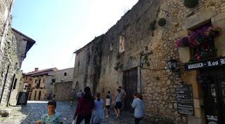 Las calles empedradas de Santillana del Mar.