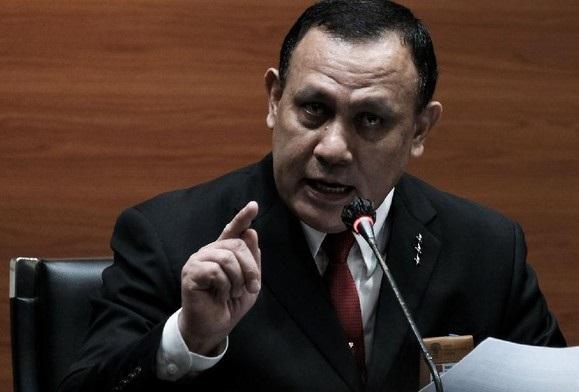 Jas Tiga Bintang Firli Bahuri Tuai Kritik Pegiat Antikorupsi, Ini Alasannya