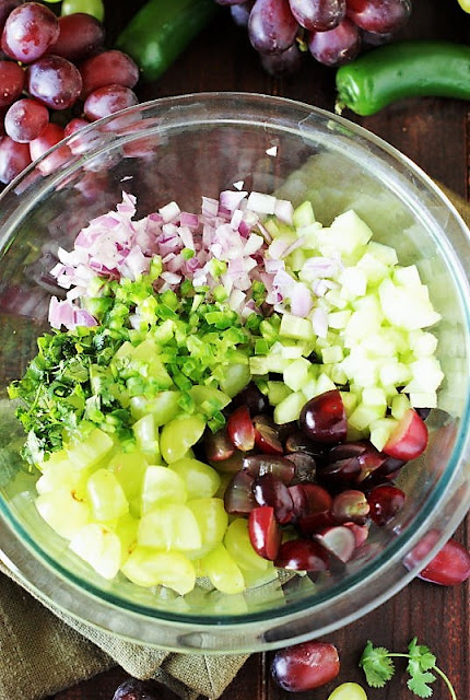 How to Make Grape Salsa Image