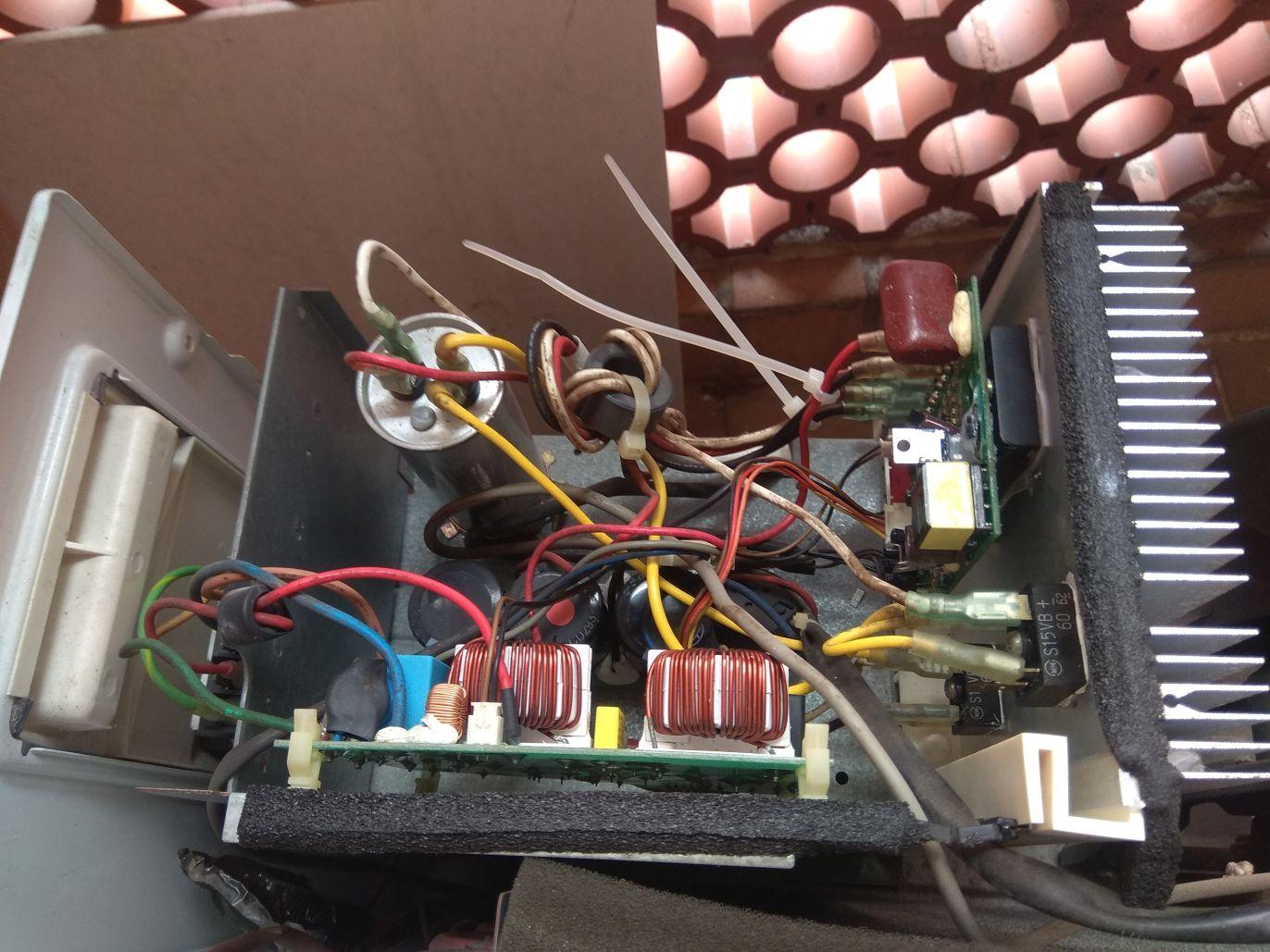 高動維修: 聲寶 分離式變頻冷氣 AU-K25D AM-K25D 不冷 外機不動 通訊不良故障
