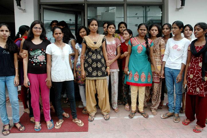 Hostel girls escorts vadodara take full enjoy - 2 1