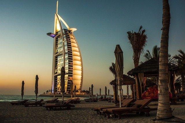 Cara Kerja Ke Uni Emirat Arab Dan Persyaratan Terbaru 2021