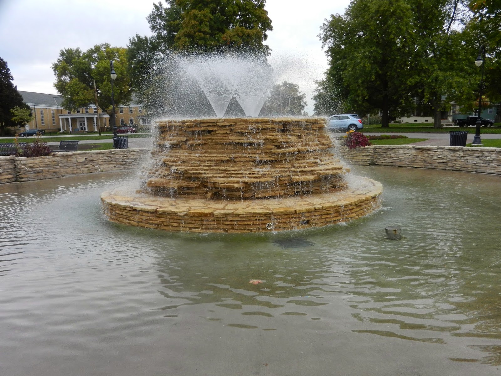 garden fountains in LeClaire Illinois