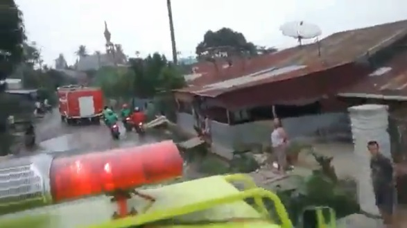 Breaking News - Terjadi Kebakaran di Rambung Merah Kec. Siantar, Simalungun